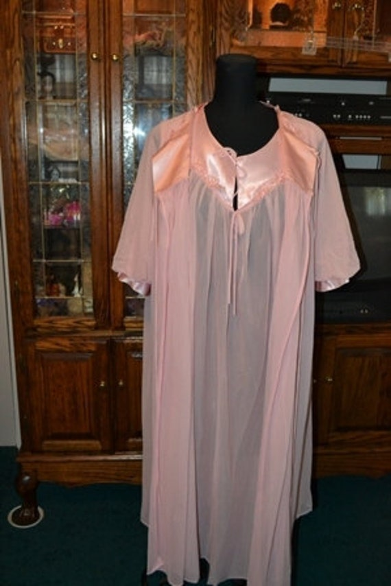 Reserved for Kristy  Pink Nylon Chiffon 2pc Nightgown