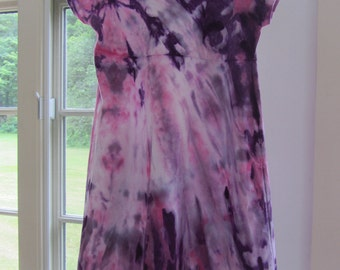 Girls tie dye tied sleeve soft cotton dress size 4 with bursts of purple and pink