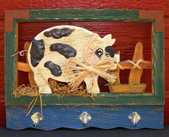 Vintage Barnyard Farm Pig In Distressed Wood Frame With Three Hooks