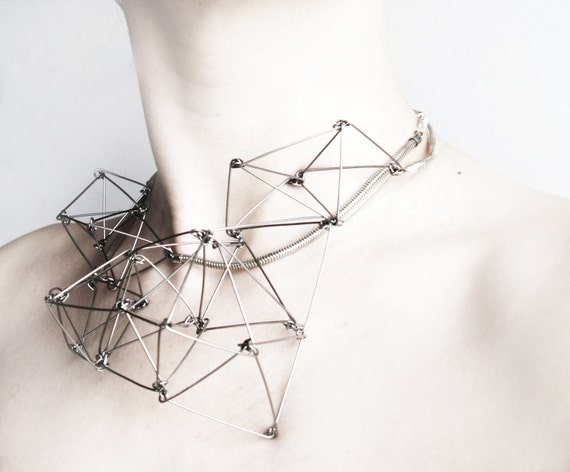 Futuristika modern stainless steel necklace