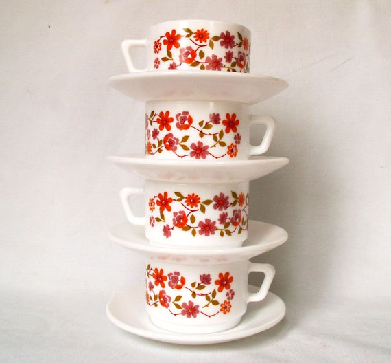 Arcopal cups and saucers - a set of four from France