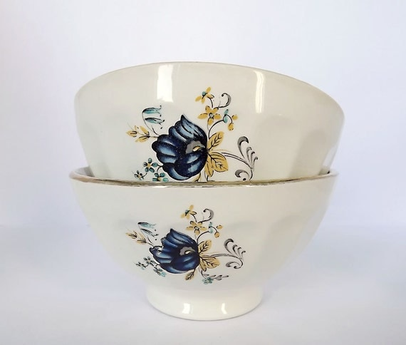 Cafe au lait bowls, set of two, great for your breakfast coffee, or hot chocolate