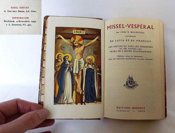 Leatherbound missal book in French and Latin with slip cover