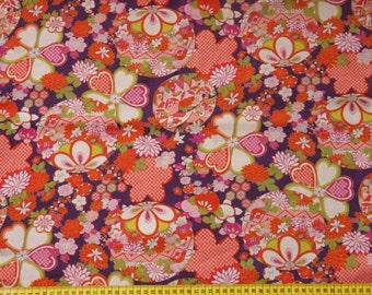 Tissu motifs fleuris et boules fond violet- 50 cm