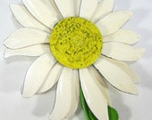 Vintage 1970's White Yellow And Green Metal Daisy Pin