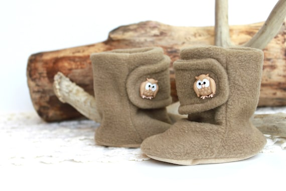 Owl Baby Booties. Boots. Children Fashion. Winter. Cozy. Leather Sole. 6 months. Winter Fashion. Slippers. Toddler. Woodland Owl Button