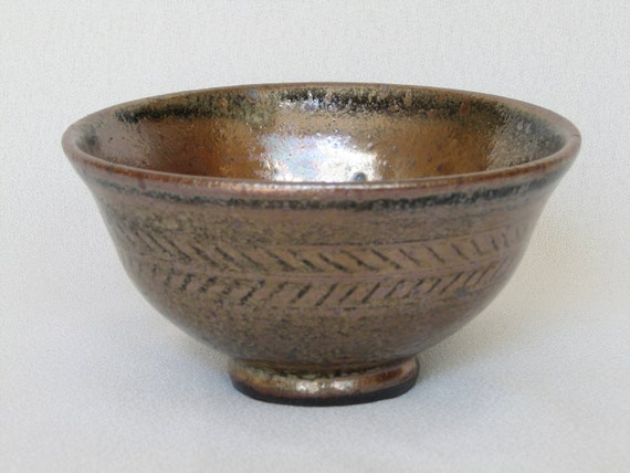 Sabal, Chawan Teabowl Ceramic Rice Bowl in Shiny  Brown Shino