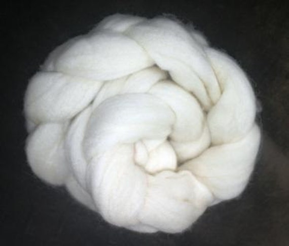 Uruguayan Merino undyed wool top roving 2 oz (50gr)