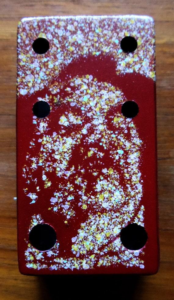 custom painted pedal enclosure for diy guitar effects pedal. Black Bedroom Furniture Sets. Home Design Ideas