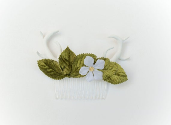 Antler Hair Comb - Vegan Deer Antlers with Velvet Leaves and White Flower Head Piece
