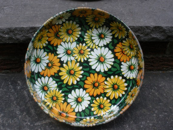 Vintage Metal Daisy Tray . Large . Colorful