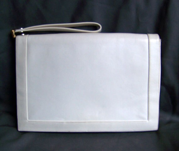 Vintage Lou Taylor purse off white leather famous fold-out mirror clutch with wrist strap