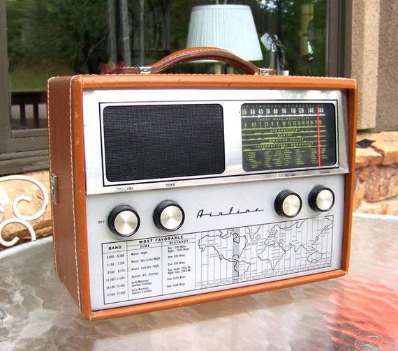 Airline shortwave radio Wards 445 tube model GSL 1079A  6-band