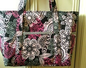 Paisley diaper bag with zipper and 11 pockets