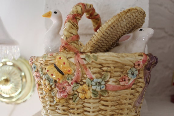 Musical Basket by Schmid Plays Talks with the animals