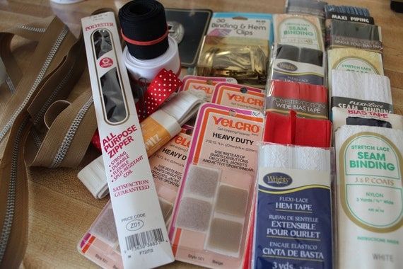 Clearance Sale Vintage Bias Tapes Zipper and various sewing items