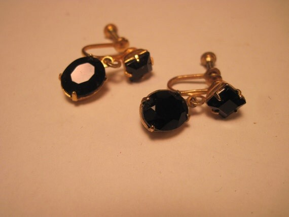 Reserved for MARY O   Vintage / Antique black Stone screw on earings.
