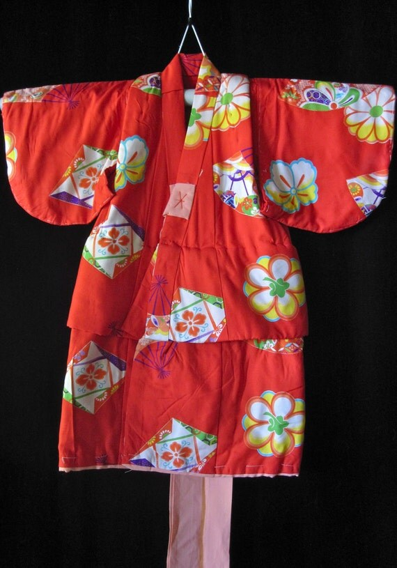 Vintage Baby Girl's Quilted Winter Silk Kimono - Red Floral -VG Conditon.