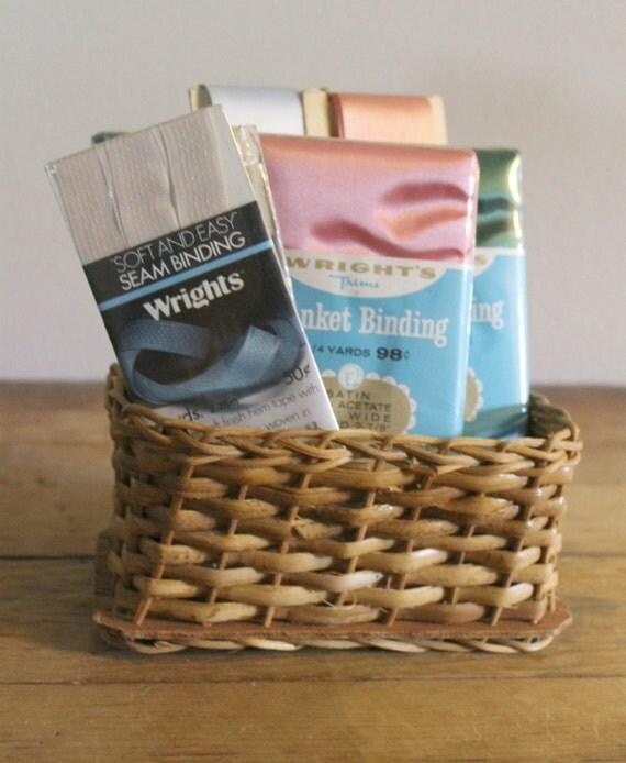 Vintage Blanket / Seam Binding By LizlovesVintage On Etsy