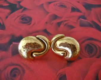 Monet Vintage Earrings Hammered Gold Tone Retro Holiday Party Jewelry