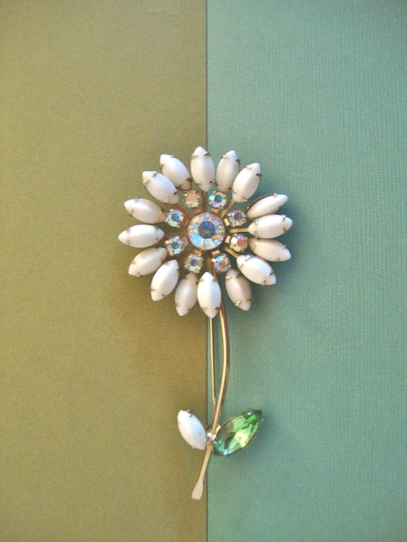 Vintage Weiss Book Piece Flower Brooch Mad Men Retro Holiday Party Jewelry Gift