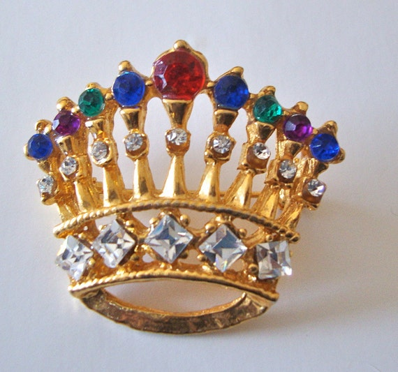 Vintage Crown Brooch Multi Color Hi Quality Figural Holiday Party Jewelry