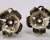 6 Vintage 18mm Gold Plated Brass Flower Pendants Mt62
