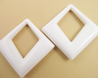 2 Vintage 50mm Glossy White Lucite Drops Pendants Pd125