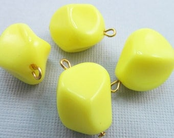 12 Vintage 15mm Sunny Yellow Lucite Charms Pendants Drops Pd163