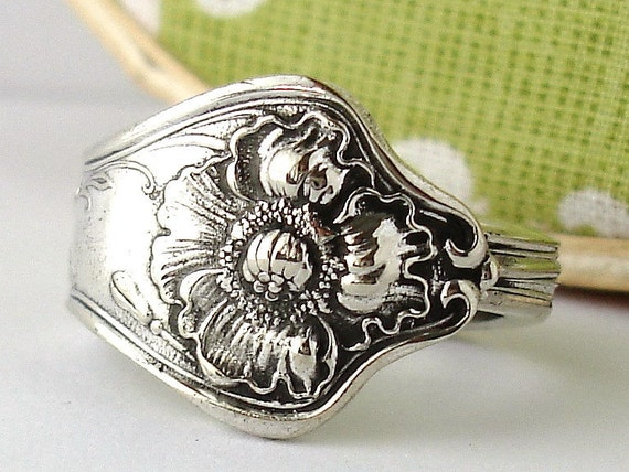 Antique Silver Spoon Ring, Size 8, Poppy 1914, Upcycled Silverplated Floral Vintage Jewelry Flowers and Leaves