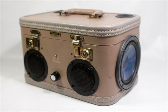 Vintage Stereo Train Case with Bluetooth
