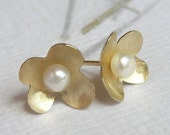 14k Gold Flower Earrings with a Pearl - Gold Studs - Flower Petals - Solid Gold Jewelry