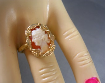 European Shell Cameo Ring 9K YG 3.1gm size 8