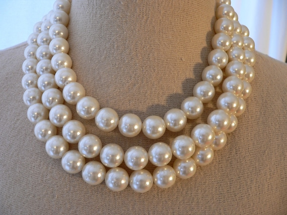 ROMANTIC Huge PEARL NECKLACE Bracelet and Earring Set