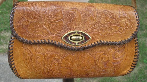 Vintage 70s Floral  Mexican Tooled Leather Purse
