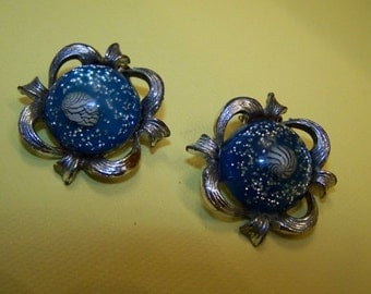 Vintage Confetti Lucite Earrings with Nautilus Turquoise and Glitter 1950s