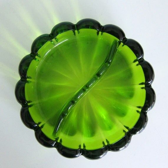 Vintage Emerald Green Glass Ashtray