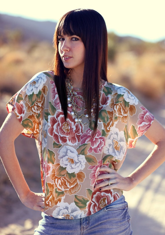Silky Floral Neutral Short Sleeve Wide Top - Lou Lovely
