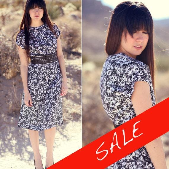 S A L E half off sale Black White Floral CInched Waist Mod Hawaiian Spring Summer Dress - Floridian Flo