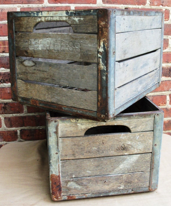 vintage wooden primitive milk crate peerless pair. Black Bedroom Furniture Sets. Home Design Ideas