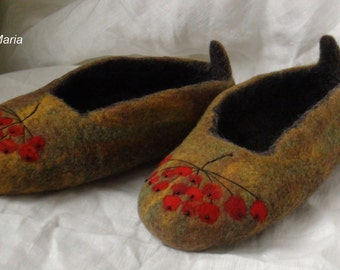 "Hand felted wool ""Rowanberry""  slippers Autumn colors US 8,5"