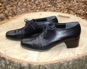 vintage 1980s Bandolino black leather shoes, stacked heels, size 8 and 1/2 medium
