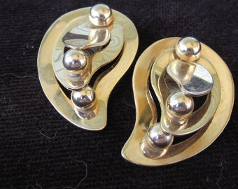 "Vintage Sarah Coventry earrings 1962 goldtone ""Contoura"""