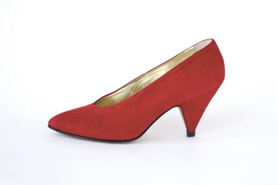 1980s vintage Italian red suede heels 7