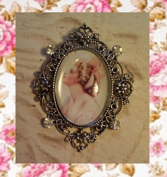 Quaint Lady Brooch