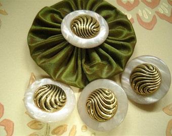 4pcs   Beautiful  Vintage shank button