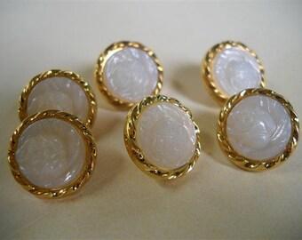 6 pcs- vintage buttons-15mm