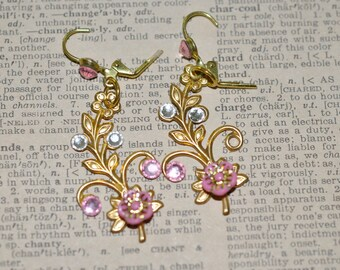 Pretty Vintage Floral Drop Earrings