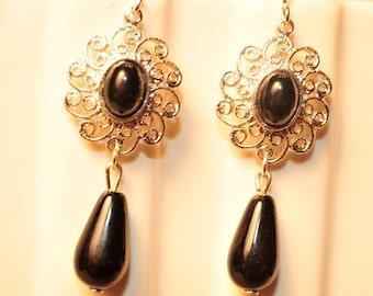 Handmade Vintage Black and Silver Filigree Earrings