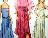 Vogue Sewing Pattern - Sommerkleid V8029 UNCUT - Größen 6, 8, 10